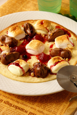 マカデミアナッツチョコ&マシュマロピザ